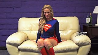Supergirl Cosplayer Masturbating With Her Toys