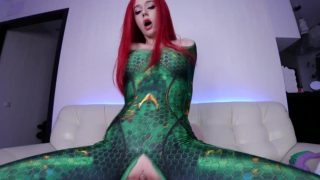 Mera from Aquaman Cosplayer Riding Tentacle Dildo