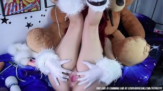 League of Legends Katarina Cosplayer Plays With Her Pussy and Asshole on Cam