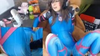D.Va Cosplayer Getting Pounded By Fuck Machine On Cam