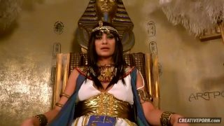 Cleopatra Cosplayer Getting Spitroasted By Loyal Subjects