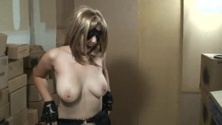 Batgirl Cosplayer Fingerfucks Her Pussy In All Leather Gear