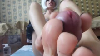 2B from Nier Automata cosplayer giving close up footjob