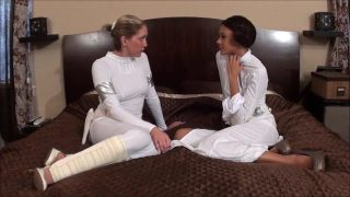 Star Wars Babes Cosplayers Worship Each Other's Feet