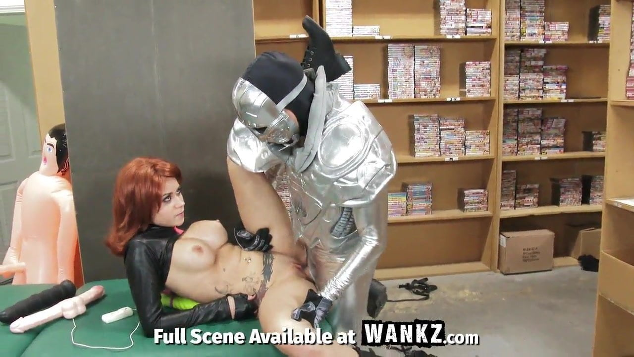 Bane And Batman Fucking Catwoman Porn black widow cosplayer gets anal from evil villain - cosplay