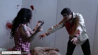 Zombie cosplayers and humans have hardcore orgy