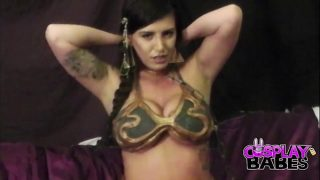 Slave Leia cosplayer can't keep her hands off her tight pussy