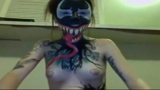 Gorgeous Venom cosplayer cums hard with her vibrator