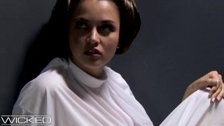 Princess Leia cosplayer sucks Vader's BBC