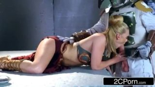 Slave Leia cosplayer getting throatfucked by Boba Fett