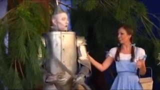 Dorothy cosplayer loves to fuck in this Wizard of Oz parody