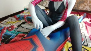 Spider Gwen cospalyer giving Spiderman a footjob