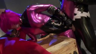 Superheroine cosplayer getting pounded in MMF threesome