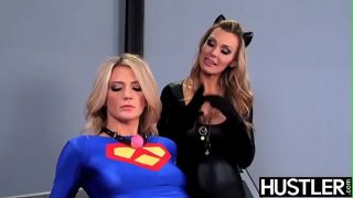 Supergirl cosplayer getting her pussy punished by Catwoman